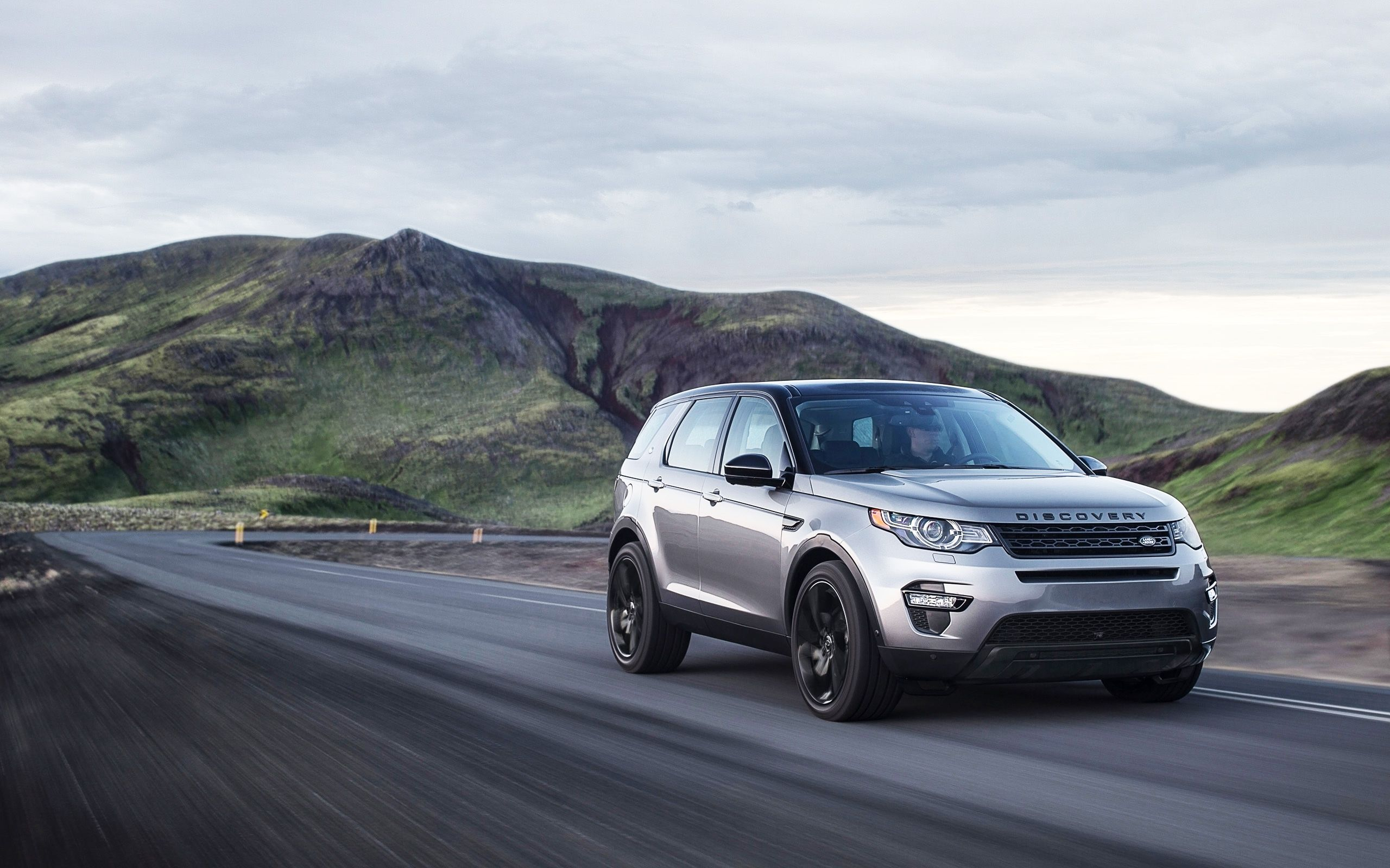 Best 25 new land rover discovery ideas only on pinterest new land rover new suv 2017 and suv trucks