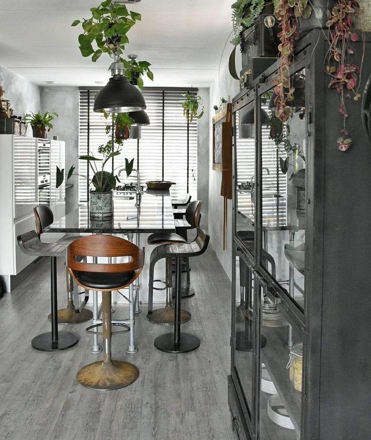 Vintage Meubels Winkel.De Winkel Met Retro Modern Vintage Meubelen Wonen Retro