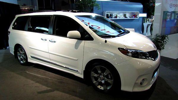 2017 Toyota Sienna White 2016 Honda Odyssey Cool Vans Minivan