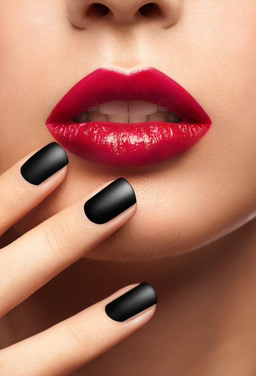 red lips, black nails | Nail Design | Pinterest | Black nails, Lips ...