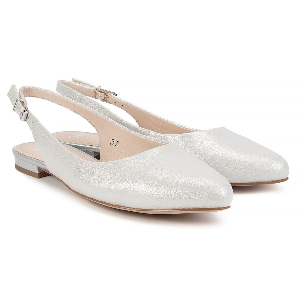 Sandaly Caprice 9 29402 28 920 Silver Metal Sandaly Na Plaskim Obcasie Sandaly Buty Damskie Filippo Pl Shoes Heels Metallic Silver