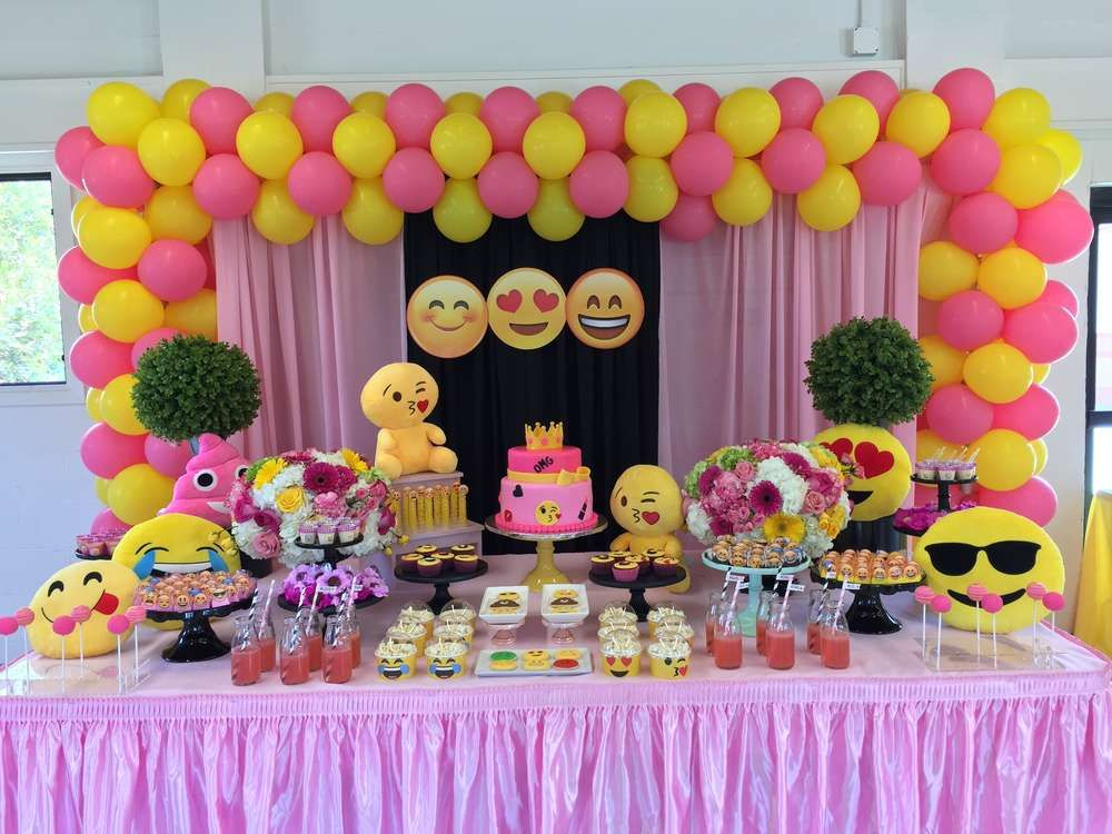 Emoji Birthday Party Ideas Photo 1 Of 165 Emoji Birthday Party Birthday Parties Emoji Birthday