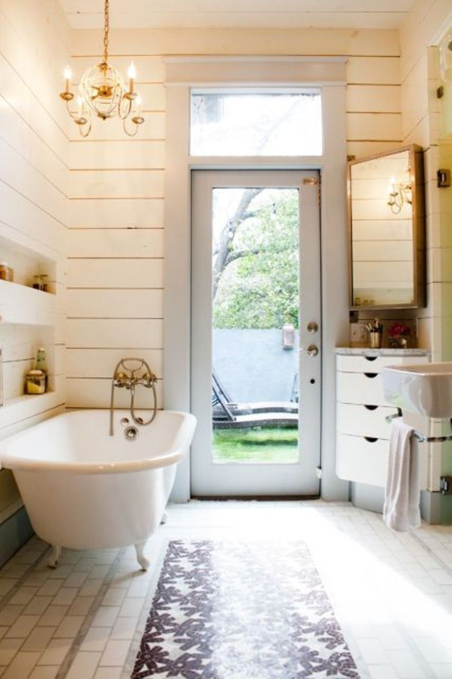 Clawfoot Tub Bathroom Designs Captivating Small Cottage Bathroom Ideas  Home Renovation  Pinterest  Small Decorating Design