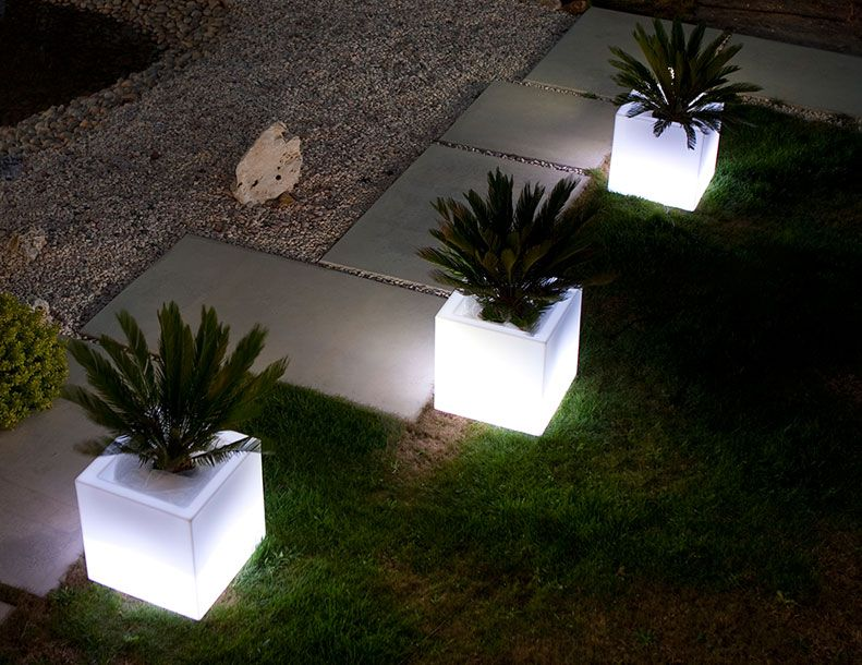 Illuminated cube planter cube planters and lights illuminated cube planter outdoor lightingcubecontemporary mozeypictures Images