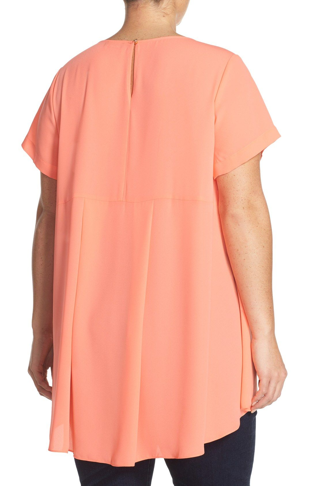 Vince Camuto Short Sleeve High/Low Blouse (Plus Size)