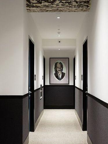 peinture dans le couloir pour donner une sensation d espace
