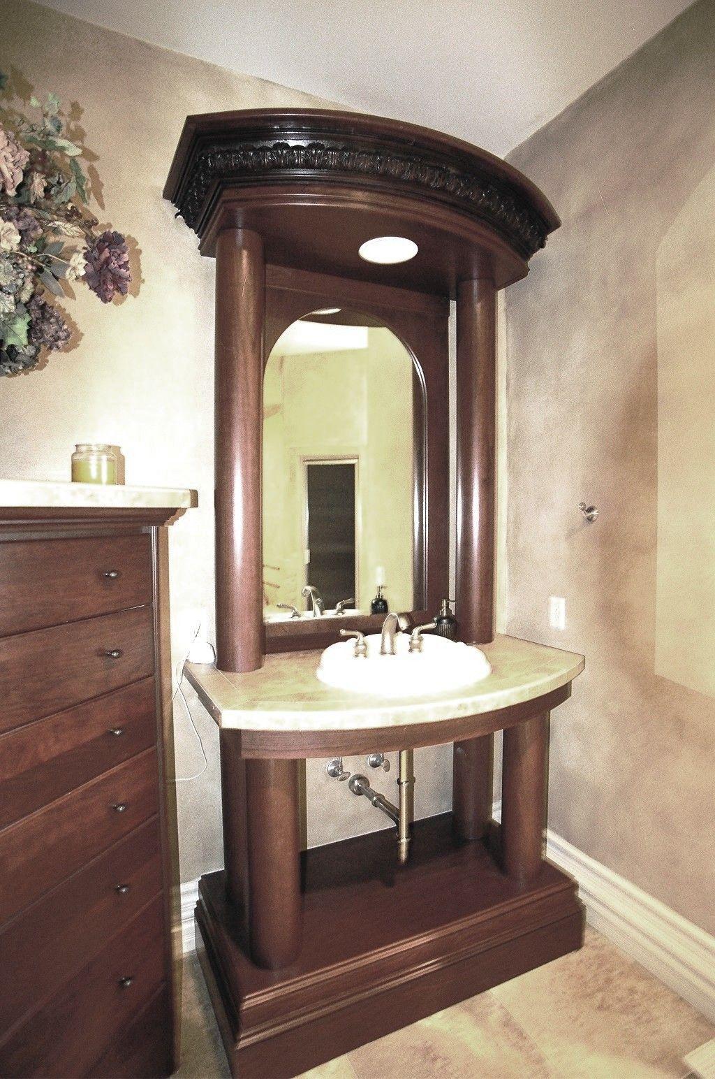 Grand Bathroom Vanity. Classic Roman Style.