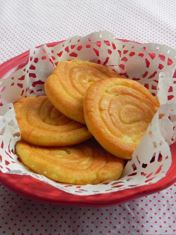 Chia sẻ cách làm Bánh Nếp giòn và xốp, ăn hoài không chán - HANDMADE http://dohandmadedep.com/chia-se-cach-lam-banh-nep-gion-va-xop-an-hoai-khong-chan/