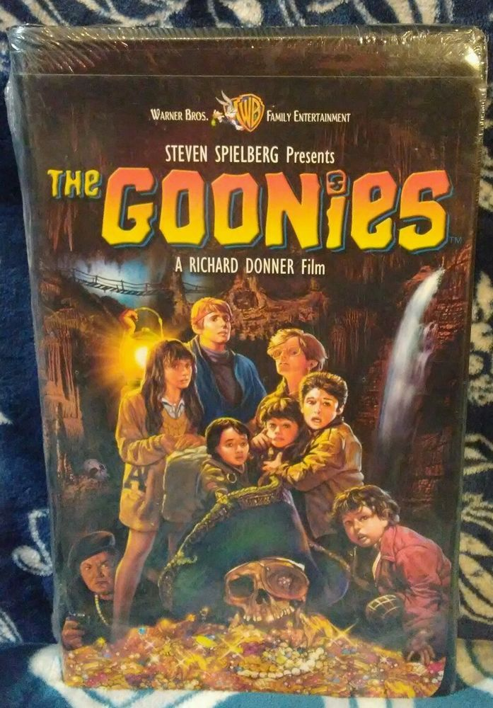 The Goonies Steven Spielberg Richard Donner 1994 Release Vhs W Clamshell New Goonies All Halloween Movies Richard Donner