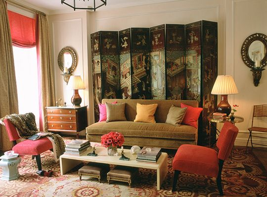 charlotte moss living room--asian chinoiserie screen, olive settee