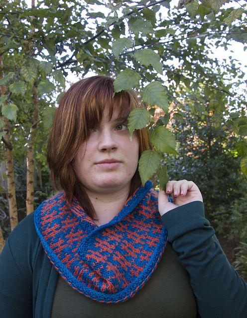 Ravelry: Muhu Fence cowl pattern by Aleks Byrd #knitting #cowl ...