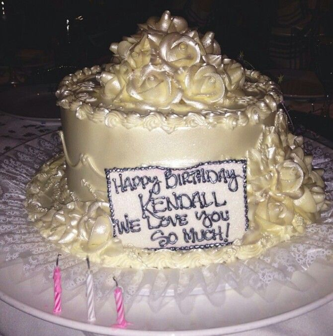 Kendall Jenners Birthday Cake So Pretty Kendall Jenner