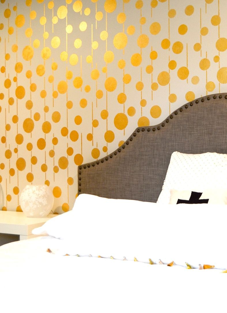 9 Unique Ways to Decorate Boring Blank Walls | Blank walls, Spaces ...