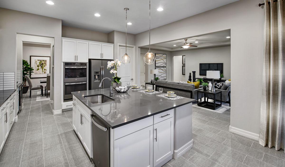 Expansive island   Richmond american homes, Farmhouse kitchen ...