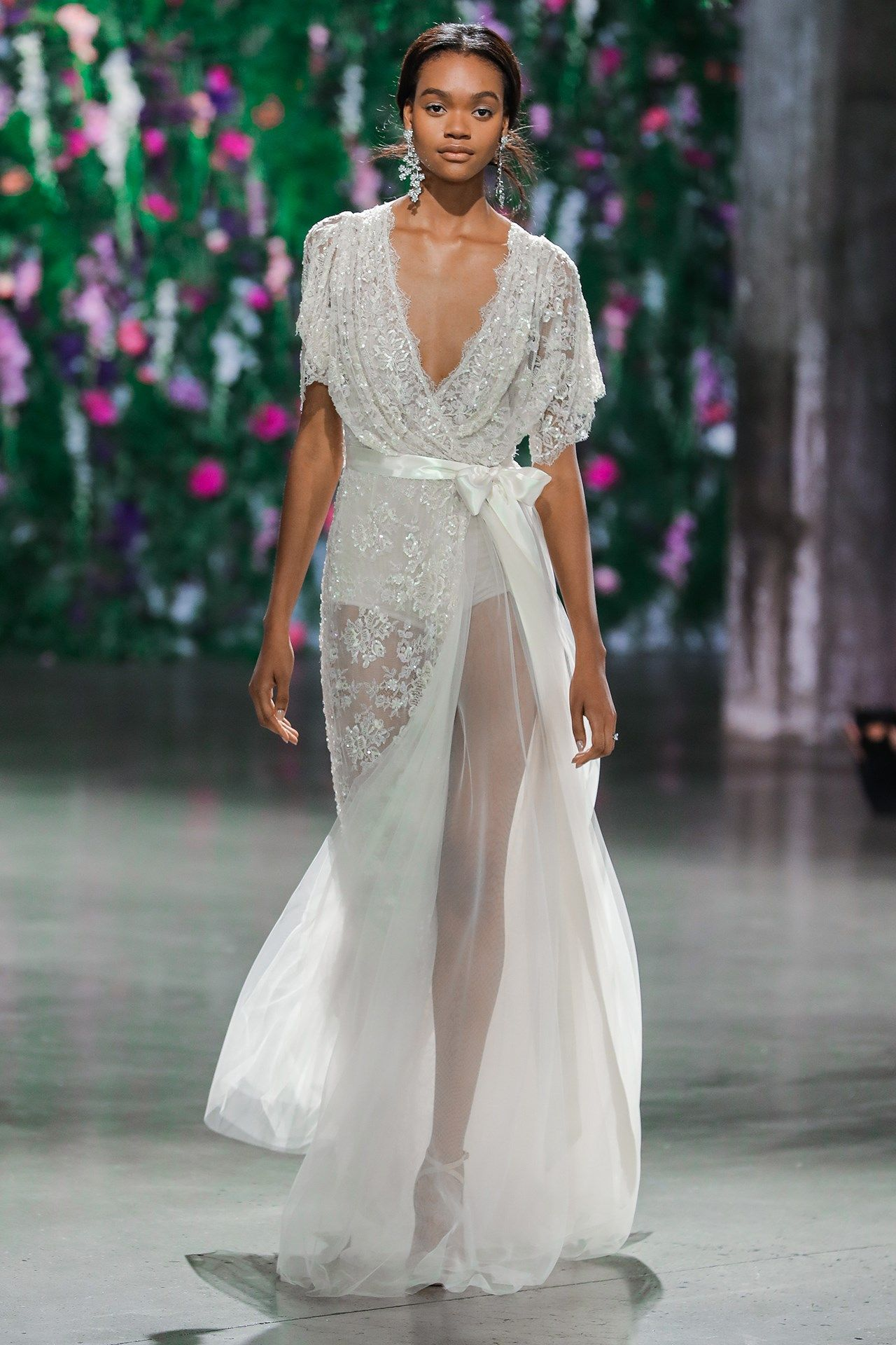 Wedding dress trends that will be huge in wedding trends