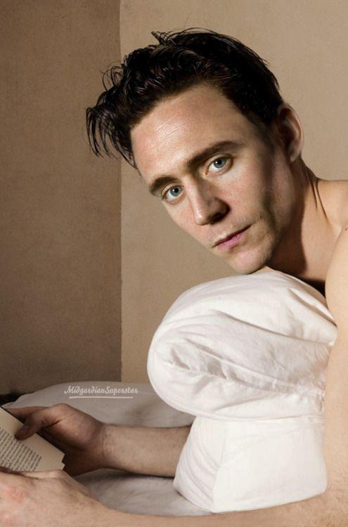 Empire Of Hiddlesporn Short Hair Loki Reading Talking In Bed By Philip Tom Hiddlston Mstiteli Marvel