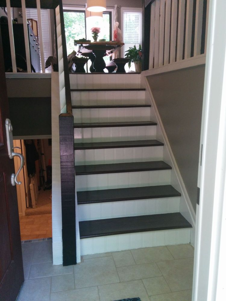 Best Split Foyer Staircase Gets A Makeover Foyer Staircase Split Foyer Split Foyer Entry 400 x 300