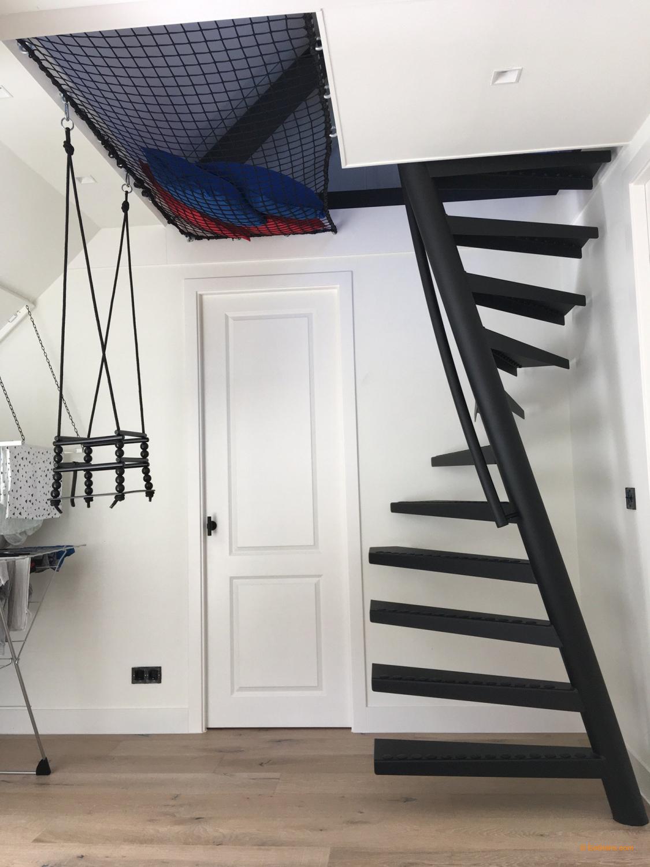 Bon Totalement Gratuit Escaliers Gain De Place Strategies 1m2 Treppe Von Eestairs Raums En 2020 Escalier Gain De Place Escalier Etroit Escalier En Colimacon