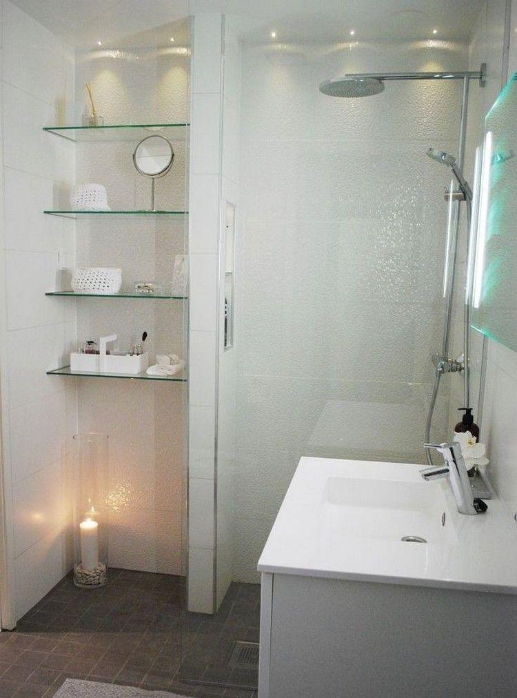 wei e wandfliesen glasregale und led deckenleuchten haus wohnen und leben pinterest. Black Bedroom Furniture Sets. Home Design Ideas