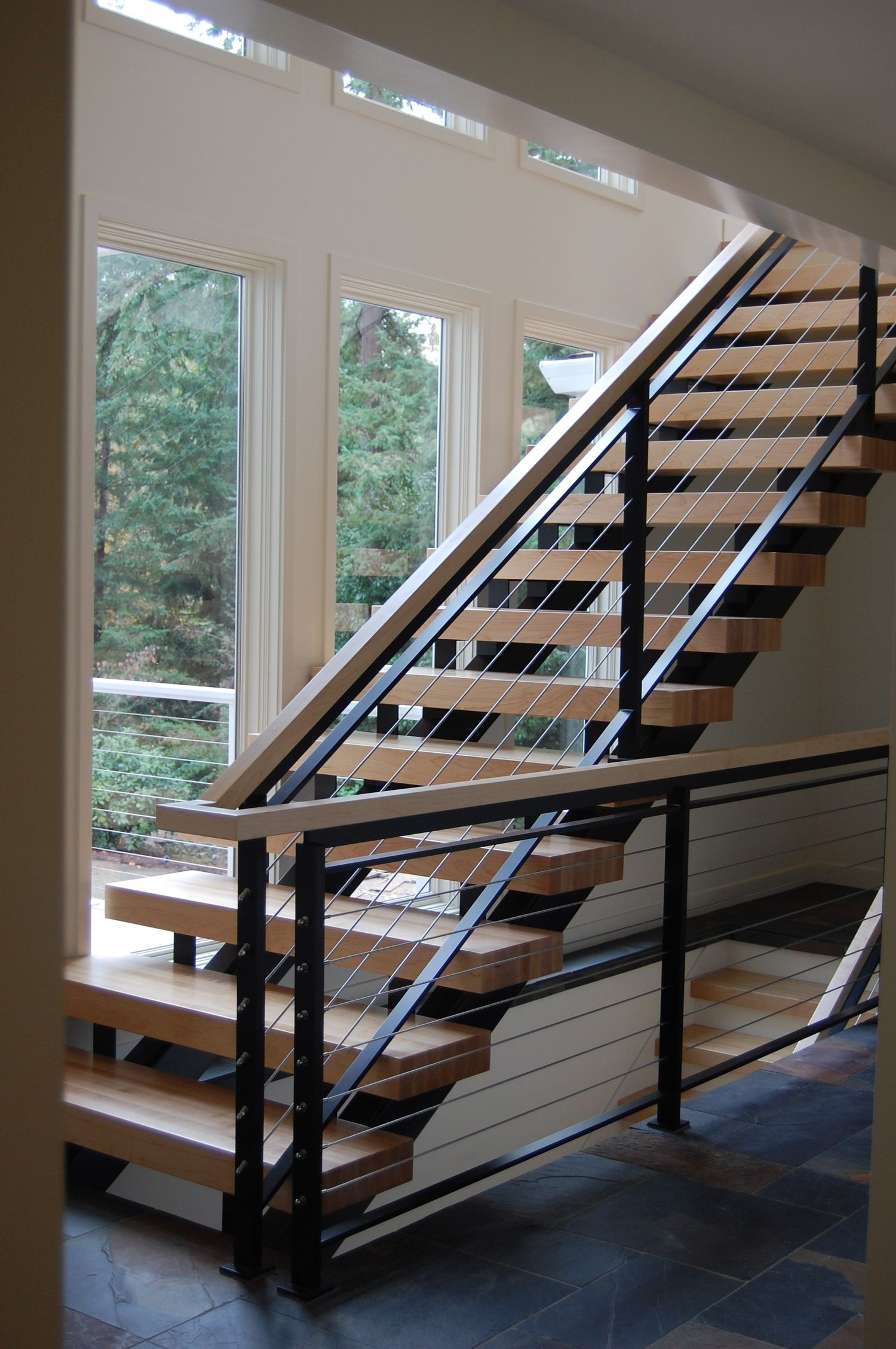 Best Painted Steel Staircase With 3 Floors Of Continuous Cable 400 x 300