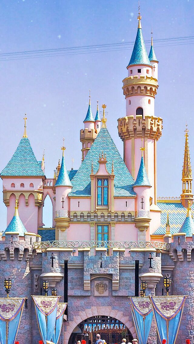 Disneyland S Sleeping Beauty Castle Finally Going Back In A Month Disney Wallpaper Disneyland Iphone Wallpaper Disney Background