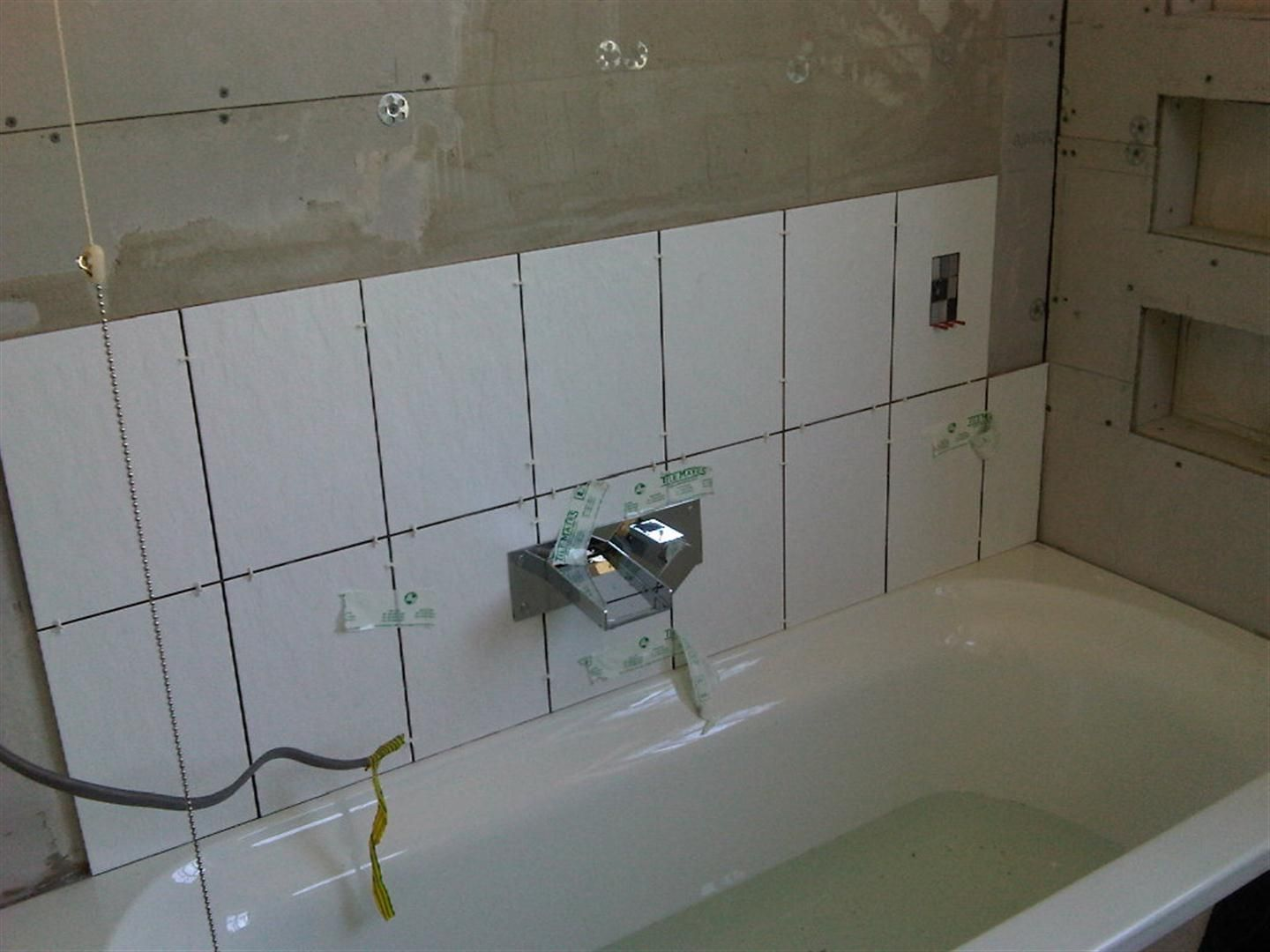 Bathroom tiles ideas for tiling your bathroom hints and tips to ...