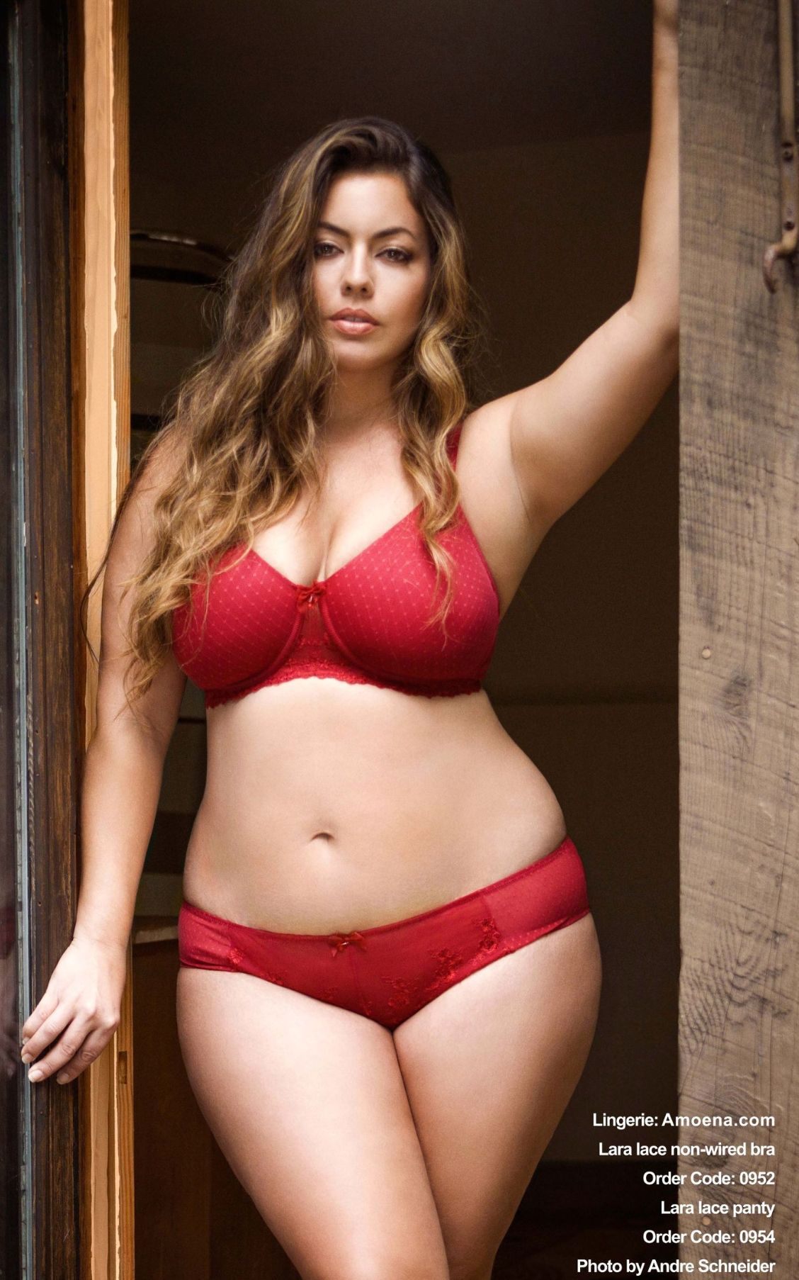 plus size super model fluvia lacerda in red lingerie. lingerie by