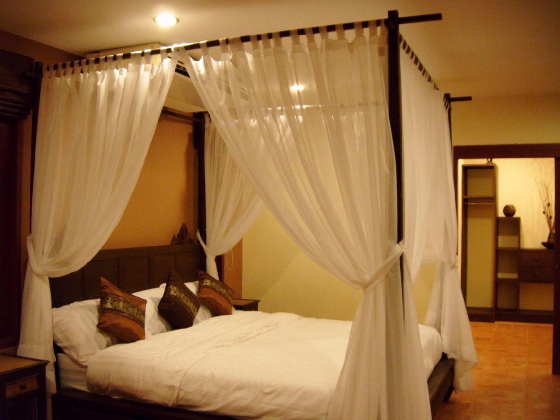 four-poster-bed-chaweng-thailand+1152_12836840706-tpfil02aw-29602.jpg  (1152864) | Home spaces | Pinterest | Woodworking bed, Bedrooms and  Drawing rooms