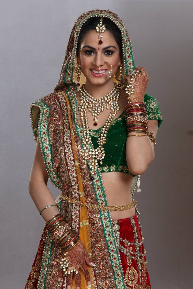 shraddha arya (With images) Indian bride outfits, Indian