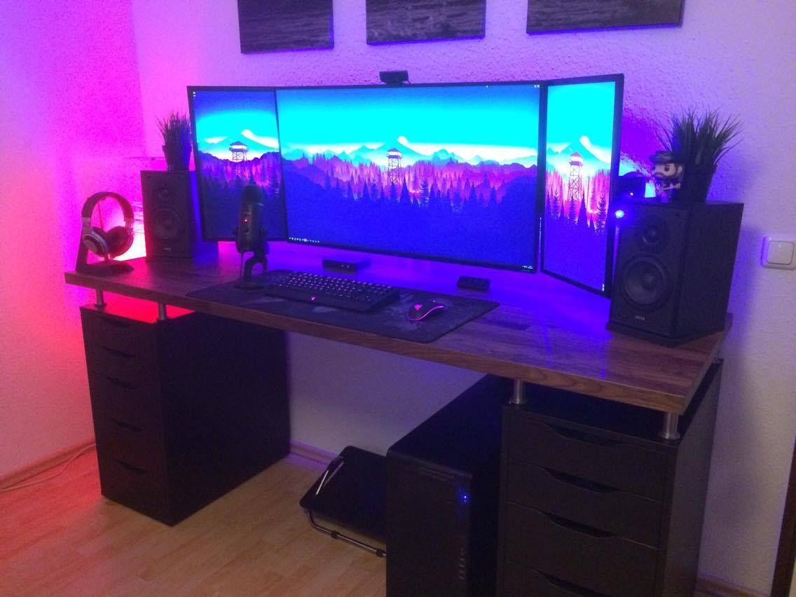 Merisal On Twitter Gaming Setup Desk Setup Setup