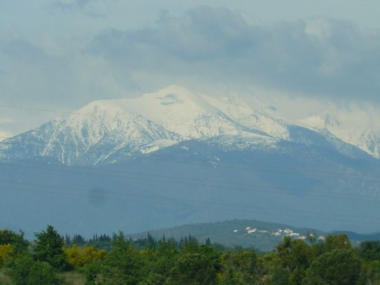 Snow-capped mountain of the Pyrenees