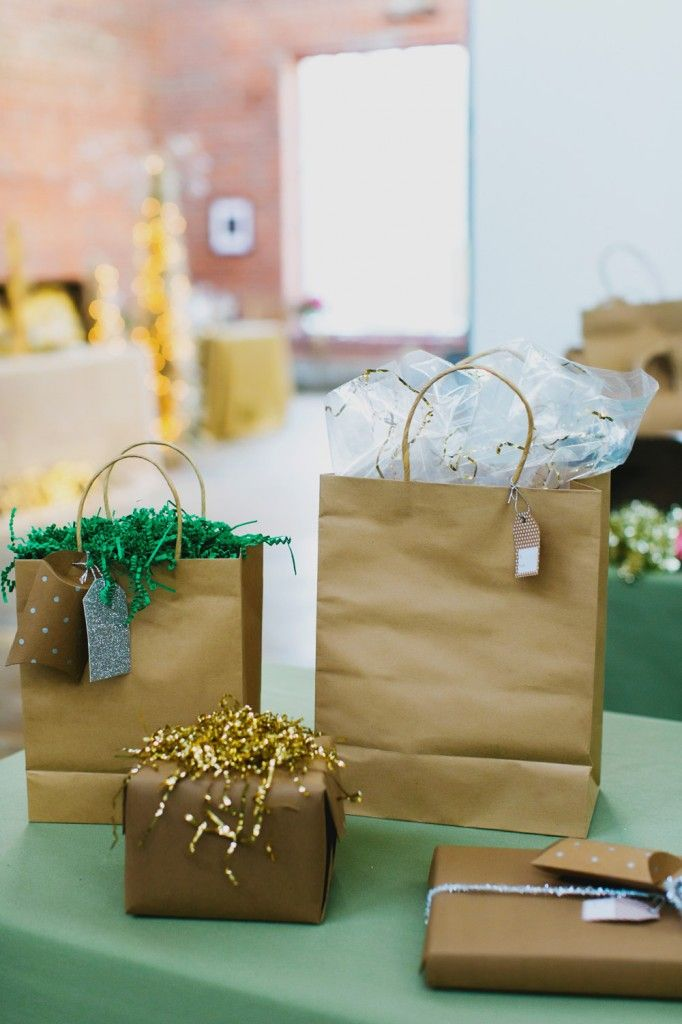 Love the idea of a gift wrap station at an event.