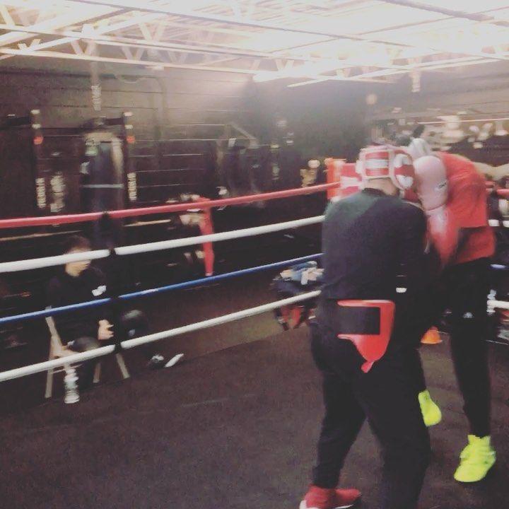 Wrapping up the night @sweatboxbrooklyn  #boxing #boxeo #combat #war #art #sunset #sunsetpark #sweat...
