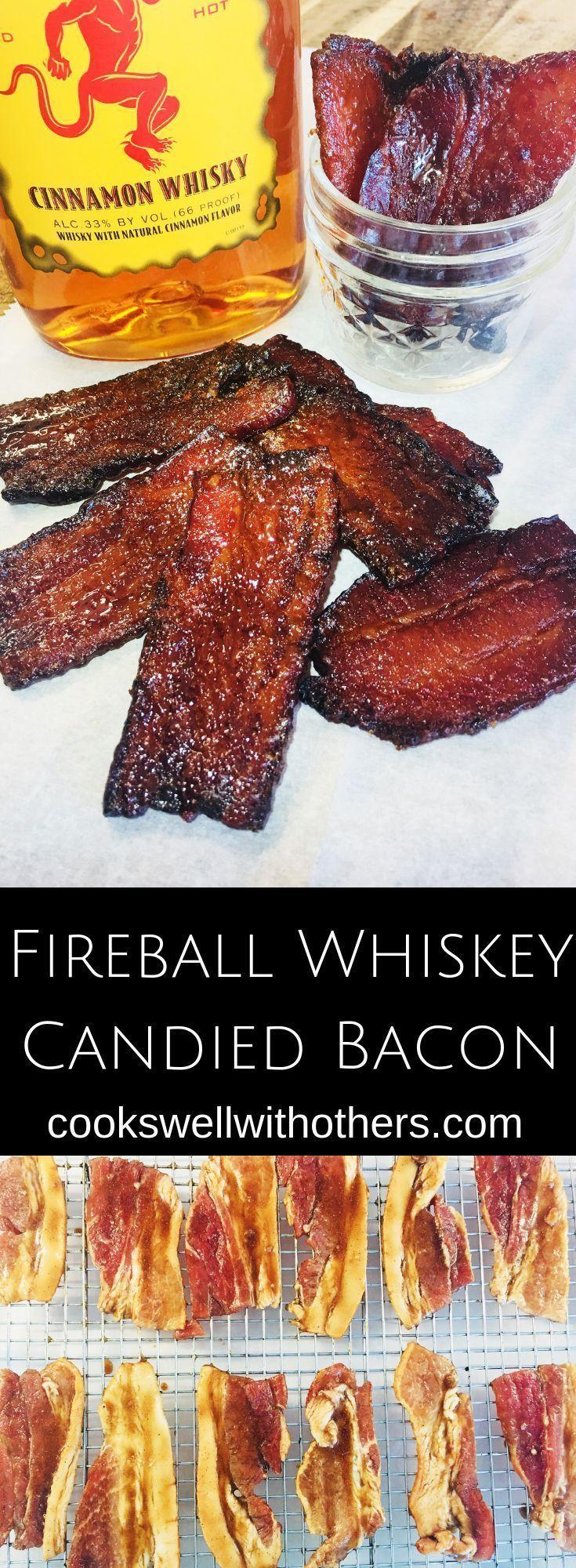 Bacon cristalizado com uísque de bola de fogo Essas mordidas de abacaxi embrulhadas em bacon com a