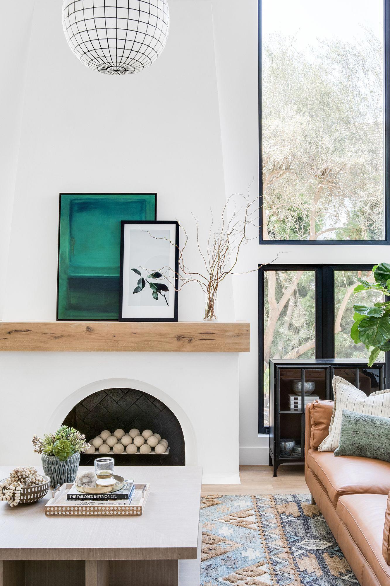 Spanish Modern Home Tour: Living Room Reveal - Lindye Galloway Interiors #moderndecor