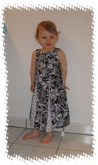 Tuto robe à encolure ronde avec plis creux - Un blog de broderie, cClaire  la brodeuse ! 26d3b0abfc4f