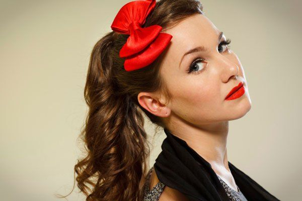 Miss Victory Violet\'s quick tutorial for a 50\'s inspired ponytail ...