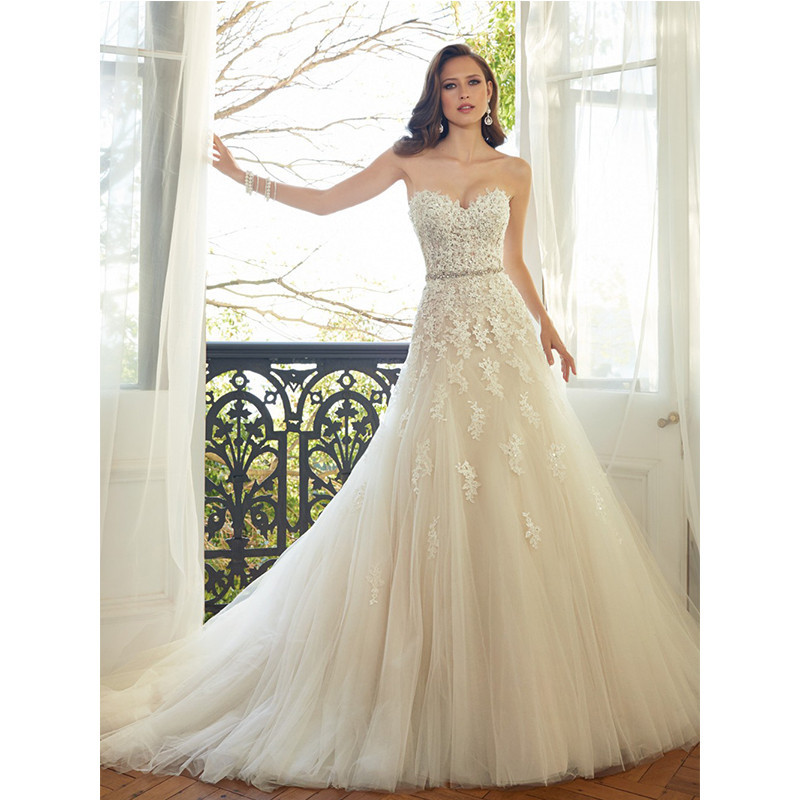 165.00$  Buy now - http://viszd.justgood.pw/vig/item.php?t=zf5uq023459 - 2017 Sweetheart Light Champagne Lace Appliqué Color Beading Sash Bridal Gown
