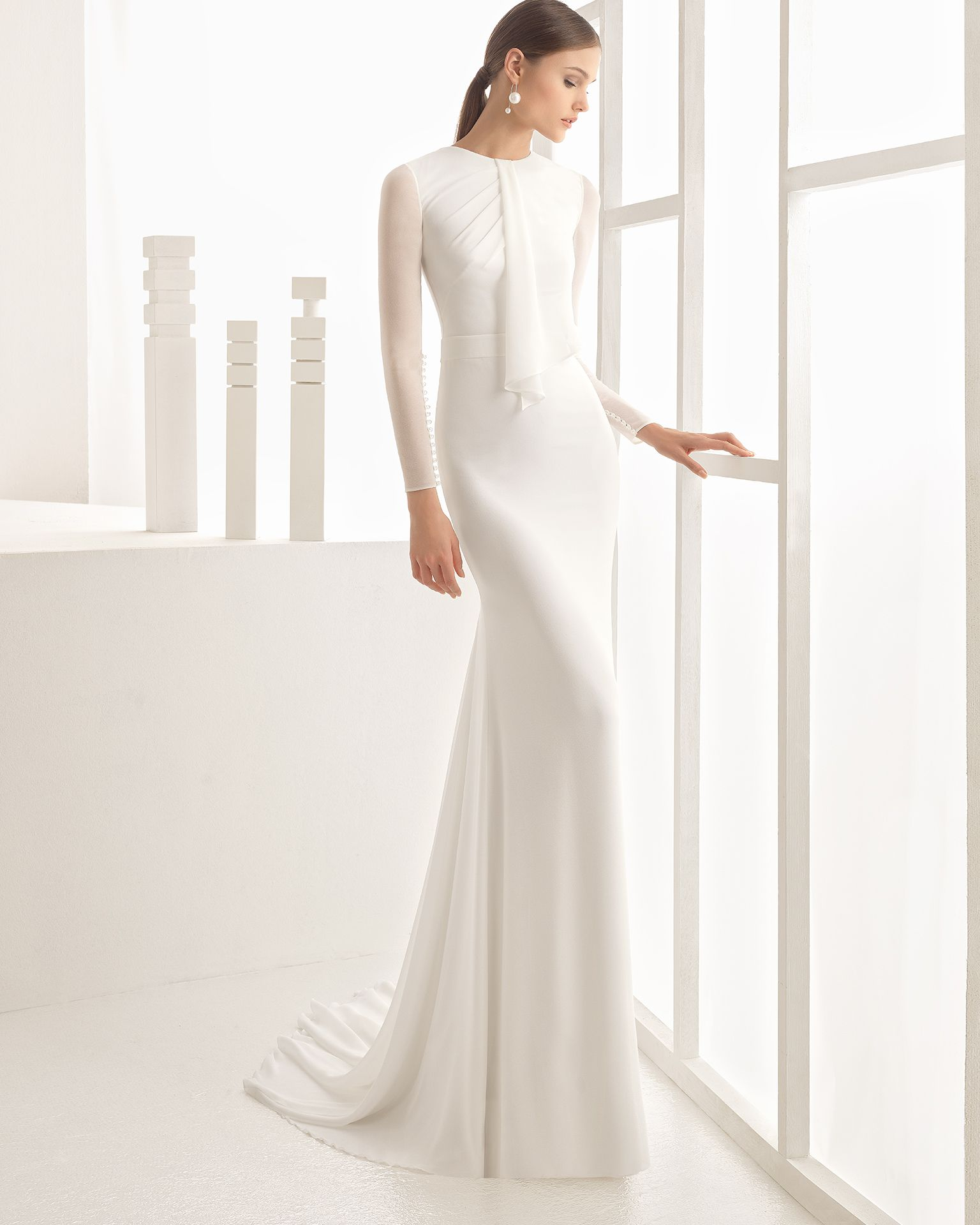 Crepe Georgette wedding gown. Rosa Clará 2017 Collection.