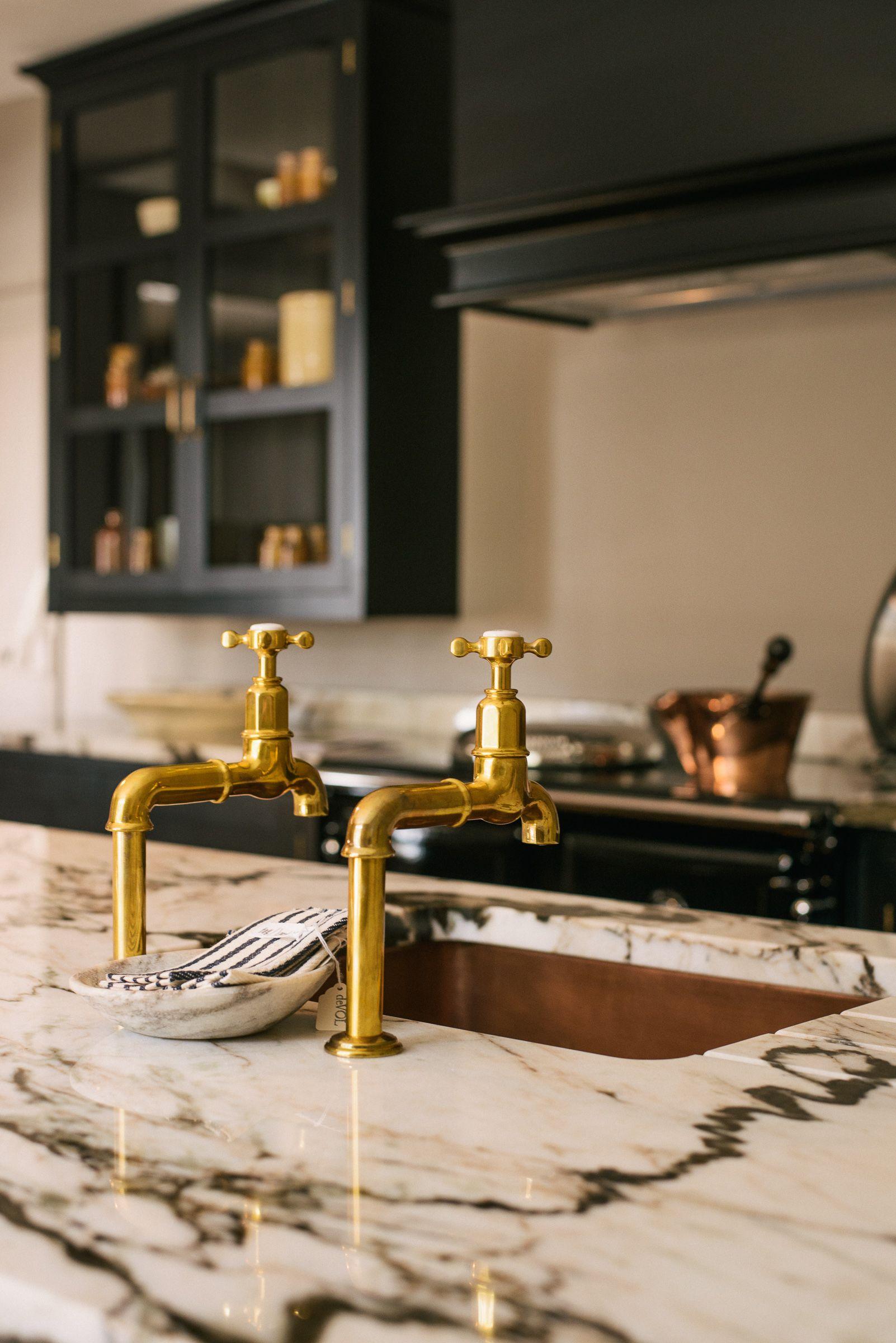 Devol Aged Brass Taps San Simone Quartzite Worktops And A Beautiful Copper Sink Look So Cool In