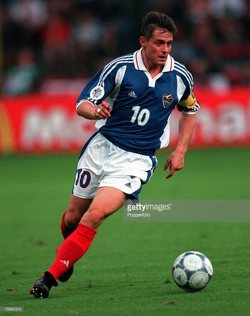 Football, European Championships (EURO 2000), Sclessin Stadium, Liege, Belgium, Yugoslavia 1 v Norway 0, 18th June, 2000, Yugoslavia+s captain Dragan Stojkovic runs with the ball