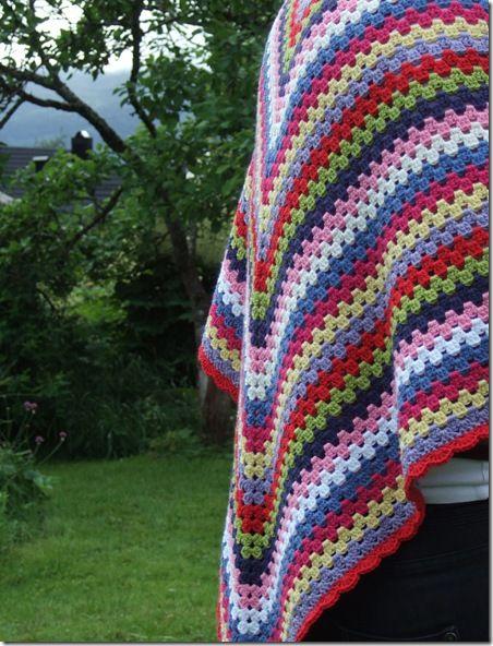 granny stripe shawl. free crochet pattern