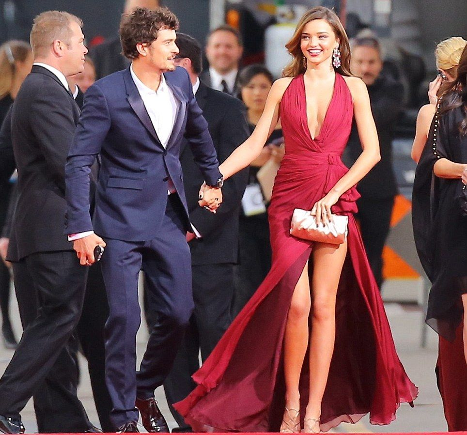 Miranda Kerr Takes Flynn to Orlando Blooms Play | E! News