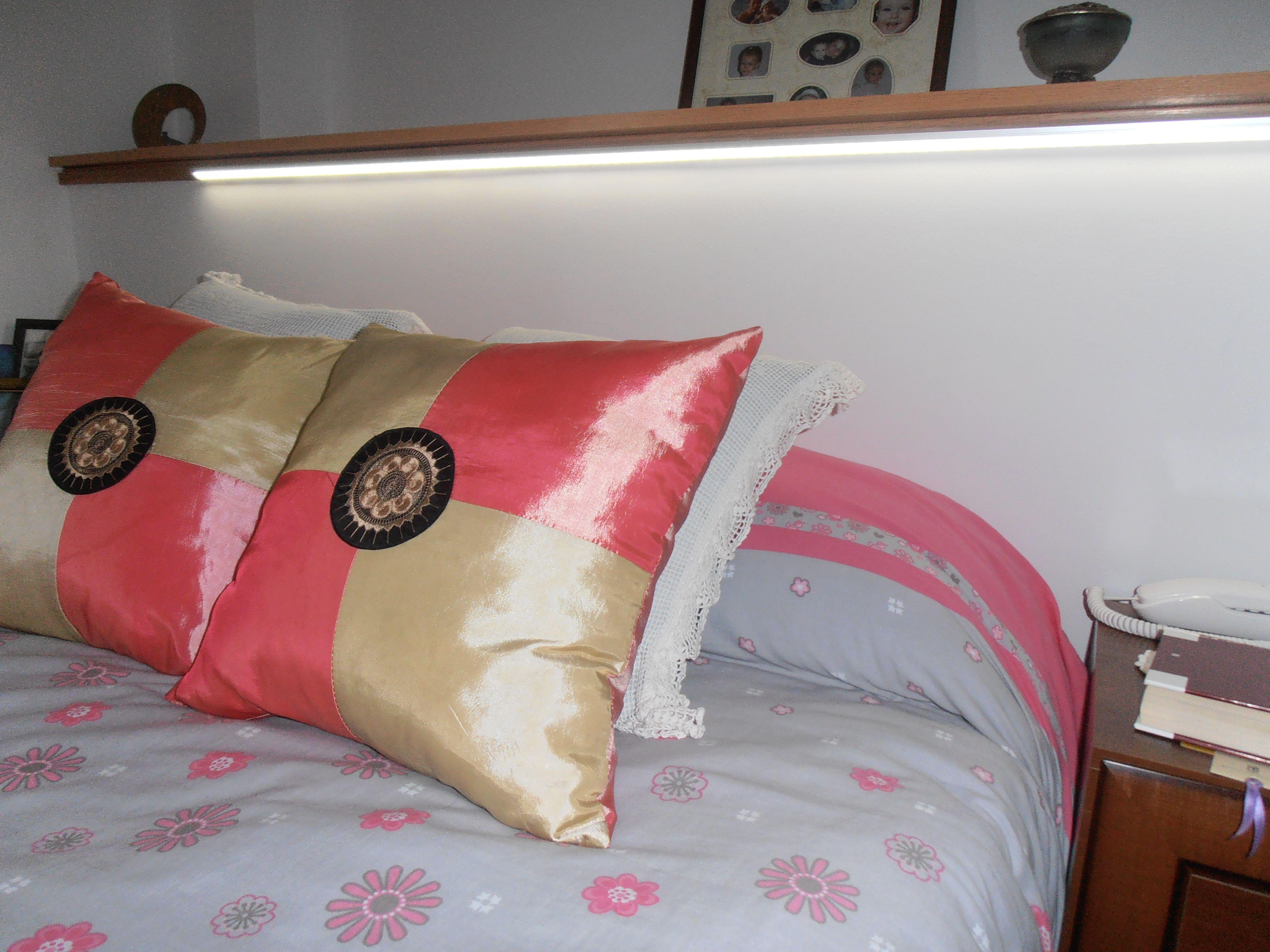 Iluminaci n de cabecero de cama mediante perfil de - Cabeceros con luz ...