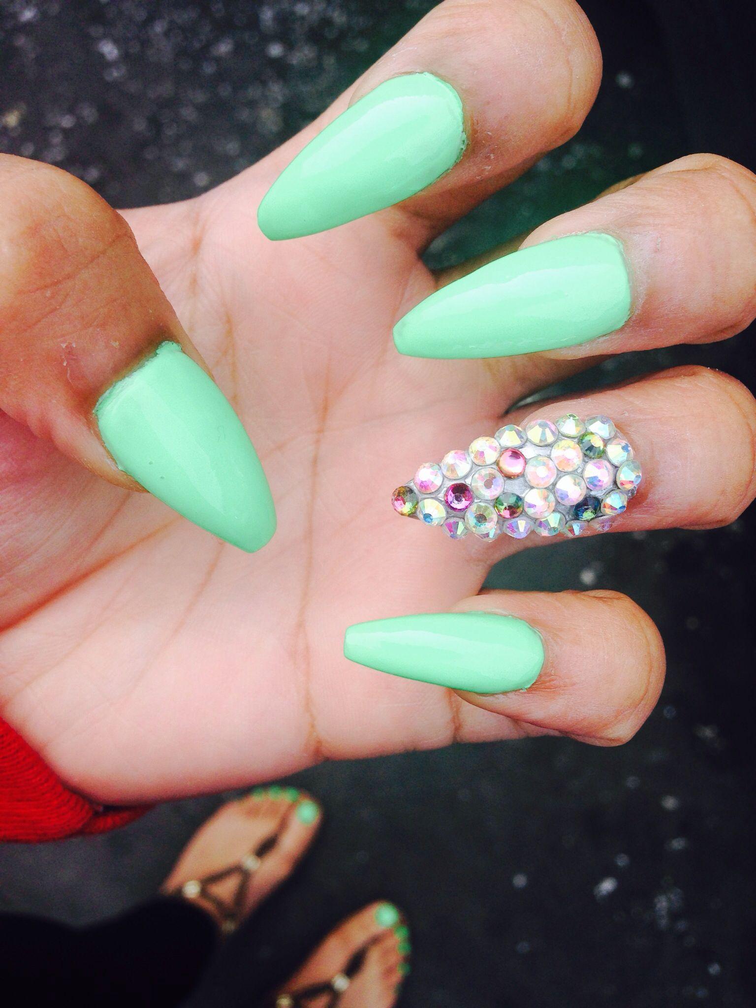 stiletto nails w|diamonds design! | nail addiction | Pinterest ...