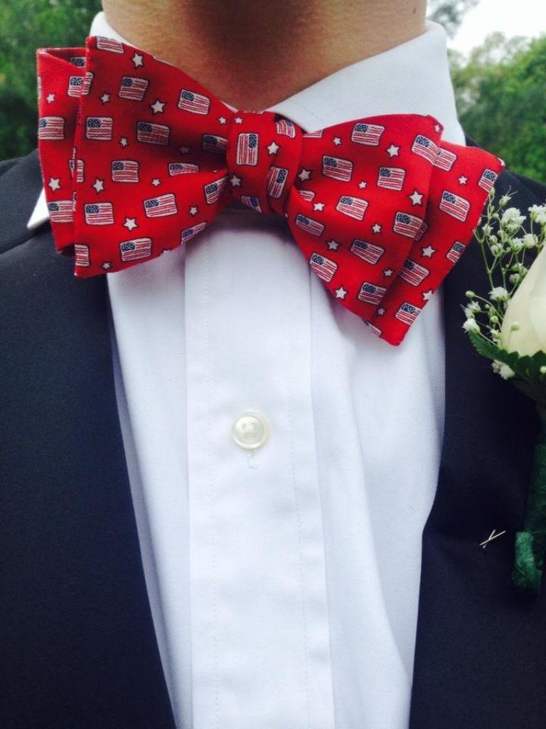 I love it when guys wear bow ties