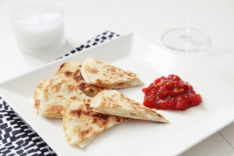 Quesadilas- an easy snack or when having friends over for the party! Ingridients: 2 wheat tortilas, 50g goat cheese, handful of grated cheese  Put cheeses between the two tortillas and put on a frying pan for a couple of minutes till they become crispy and golden brown. Serve with sweet and hot jam and a glass of cold white vine  pinned from mysecondhandlife.indiedays.com