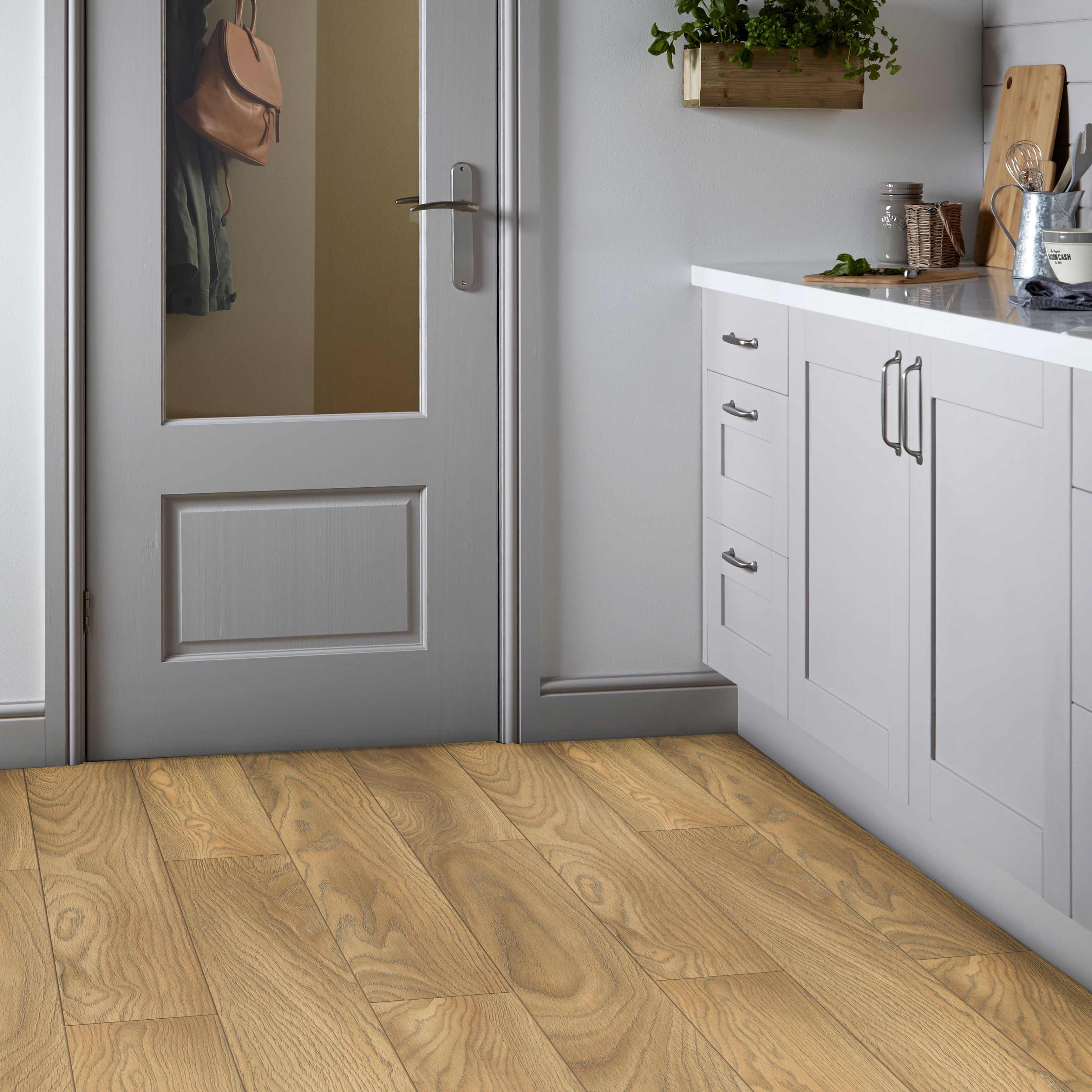 Sirente Oak Effect Laminate Flooring 1.74m² Pack