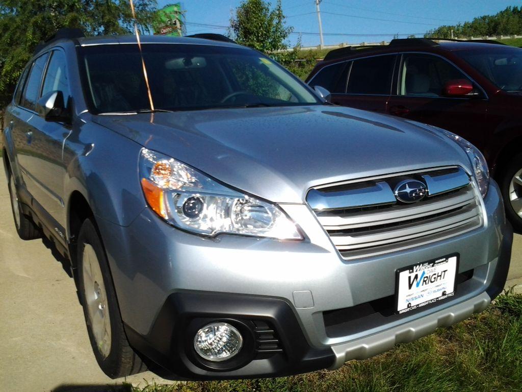 2013 Subaru Outback 2.5i Limited w/Moonroof Subaru