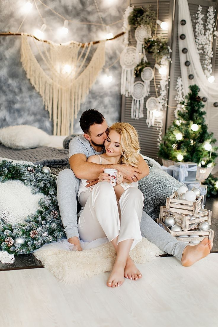 доход для всей семьи -   14 christmas photoshoot couples studio ideas